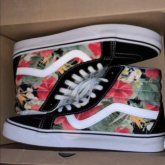 8376266739380c Vans Hawaiian floral Sk8 Hi 🔥. M 5bb849e73e0caad4dc0acdee